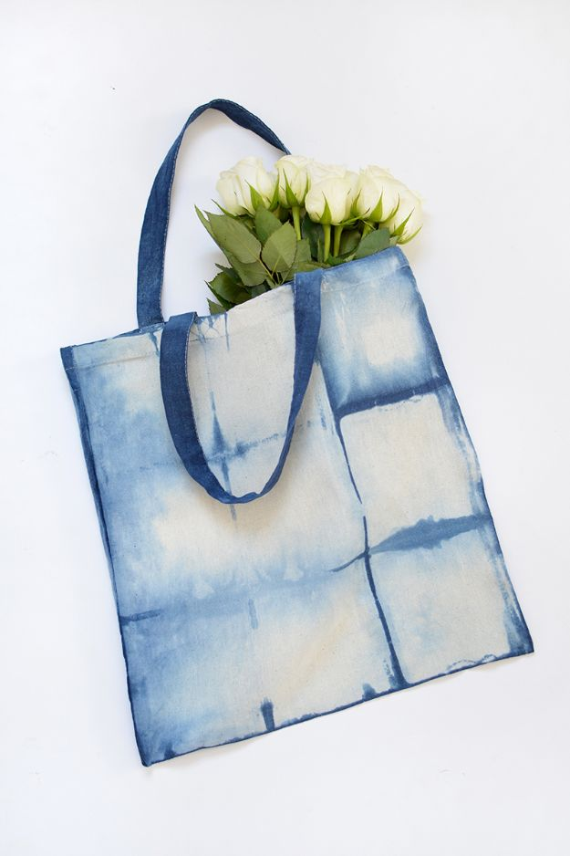 DIY Shopping Bags - DIY Shibori Shopping Bag - Drawstring Bag Tutorials - How To Make A Shopping Bag - Use Fabric Scraps, Old Denim Jeans, Upcycled Items - Cute Monogrammed Ideas, Painted Bags and Sewing Tutorials for Beginners s