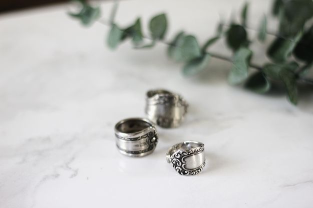 DIY anniversary Gifts - DIY Spoon Ring- Homemade, Handmade Gift Ideas for Wedding Anniversaries - Cool, Easy and inexpensive Gifts To Make for Husband or Wife #anniverary #diy #gifts