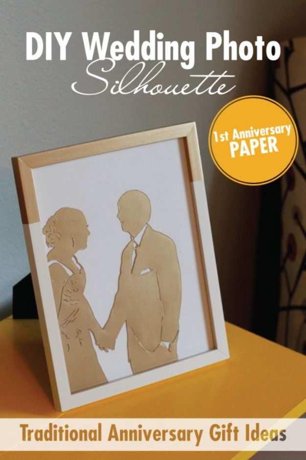 DIY anniversary Gifts - DIY Wedding Photo Silhouette - Homemade, Handmade Gift Ideas for Wedding Anniversaries - Cool, Easy and inexpensive Gifts To Make for Husband or Wife #anniverary #diy #gifts