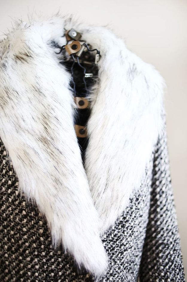 DIY Clothes for Winter - Detachable Fur Coat Collar DIY - Cool Fashion Ideas to Make for Cold Weather - Handmade Scarves, Hats, Coats, Gloves and Mittens, Sweaters and Wraps - Easy Sewing Tutorials and No Sew Items - Creative and Quick Homemade Gifts and Christmas Present Ideas http://diyjoy.com/diy-clothes-winter
