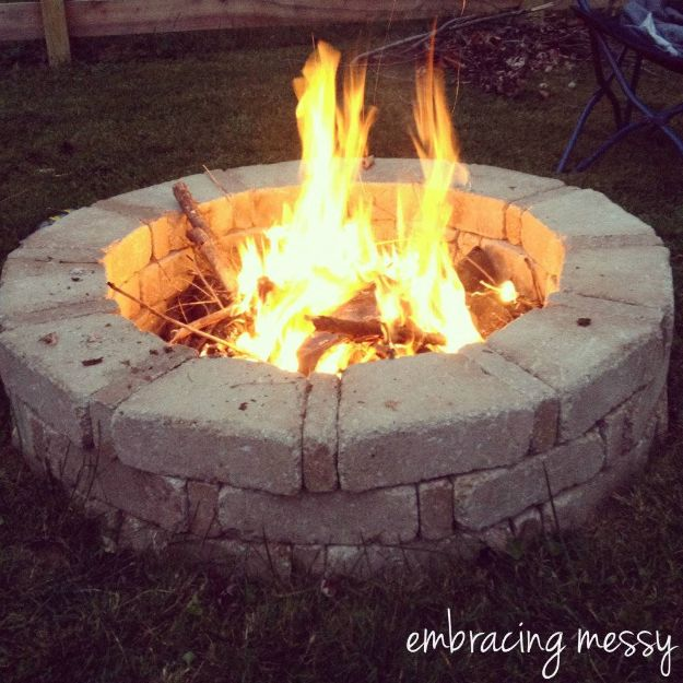 DIY Firepits - Different Sized Paver Fire Pit - Step by Step Tutorial for Raised Firepit , In Ground, Portable, Brick, Stone, Metal and Cinder Block Outdoor Fireplace #outdoors #diy