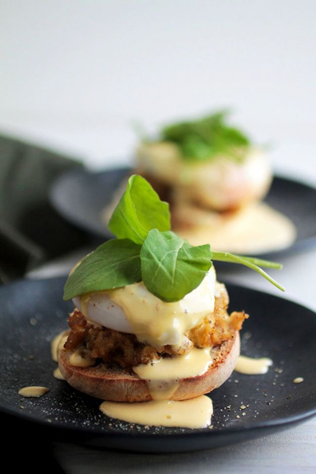Eggs Benedict Recipes - Easy Crab Cake Eggs Benedict - Best Benedicts and Recipe Ideas for Breakfast, Brunch and Lunch - Easy and Quick Eggs Benedict, Classic, Salmon, Vegetarian and Healthy Variations - How to Make Hollandaise Sauce - Pioneer Woman Favorites - Eggs Benedict Casserole for A Crowd http://diyjoy.com/eggs-benedict-recipes