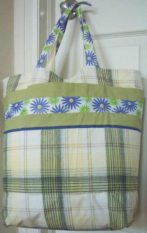 DIY Shopping Bags - Easy Grocery Bag Shopping Tote From 2 Pillowcases - Easy Drawstring Bag Tutorials - How To Make A Shopping Bag - Use Fabric Scraps, Old Denim Jeans, Upcycled Items - Cute Monogrammed Ideas, Painted Bags and Sewing Tutorials for Beginners s