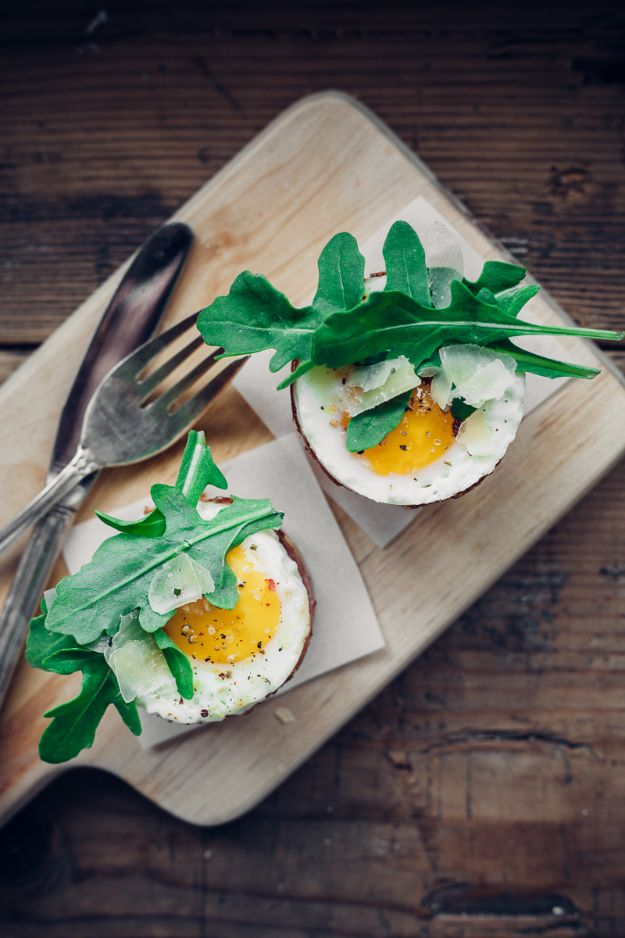 Eggs Benedict Recipes - Eggs Benedict Cumberbatch - Best Benedicts and Recipe Ideas for Breakfast, Brunch and Lunch - Easy and Quick Eggs Benedict, Classic, Salmon, Vegetarian and Healthy Variations - How to Make Hollandaise Sauce - Pioneer Woman Favorites - Eggs Benedict Casserole for A Crowd http://diyjoy.com/eggs-benedict-recipes