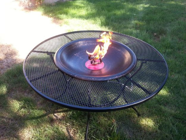 DIY Firepits - Fire Pit Table - Step by Step Tutorial for Raised Firepit , In Ground, Portable, Brick, Stone, Metal and Cinder Block Outdoor Fireplace #outdoors #diy