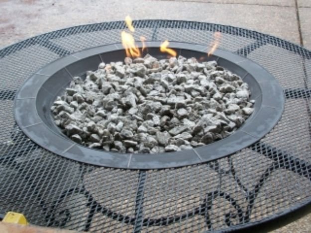 DIY Firepits - Gas Fire Pit - Step by Step Tutorial for Raised Firepit , In Ground, Portable, Brick, Stone, Metal and Cinder Block Outdoor Fireplace #outdoors #diy