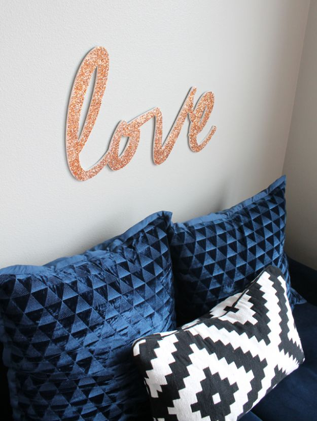 DIY anniversary Gifts - Glitter Love Sign - Homemade, Handmade Gift Ideas for Wedding Anniversaries - Cool, Easy and inexpensive Gifts To Make for Husband or Wife #anniverary #diy #gifts
