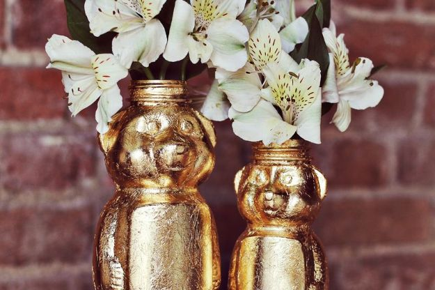 Cheap Last Minute Gifts DIY - Gold Honey Bear Vase DIY - Inexpensive DIY Gift Ideas To Make On A Budget - Homemade Christmas and Birthday Presents to Make For Mom, Dad, Daughter & Son, Kids, Friends and Family - Cool and Creative Crafts, Home Decor and Accessories, Fun Gadgets and Phone Stuff - Quick Gifts From Dollar Tree Items #diygifts #cheapgifts #christmasgifts