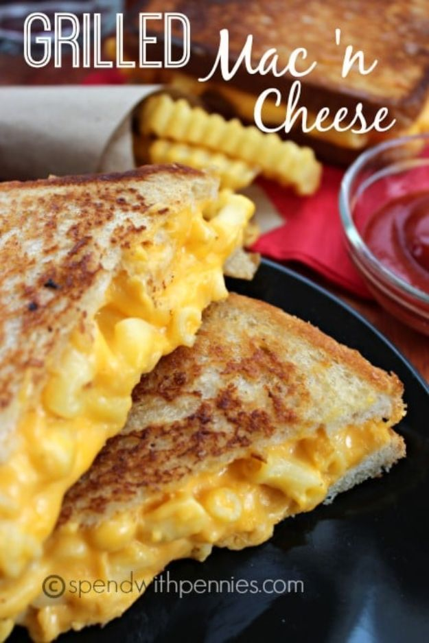Macaroni and Cheese Recipes - Grilled Mac N' Cheese - Best Mac and Cheese Recipe - Baked, Crockpot, Stovetop and Easy, Quick Variations - Homemade, Creamy Sauce - Pioneer Woman Favorites - Velveets Cheddar and 3 Cheese Bacon, Breadcrumbs http://diyjoy.com/mac-and-cheese-recipes