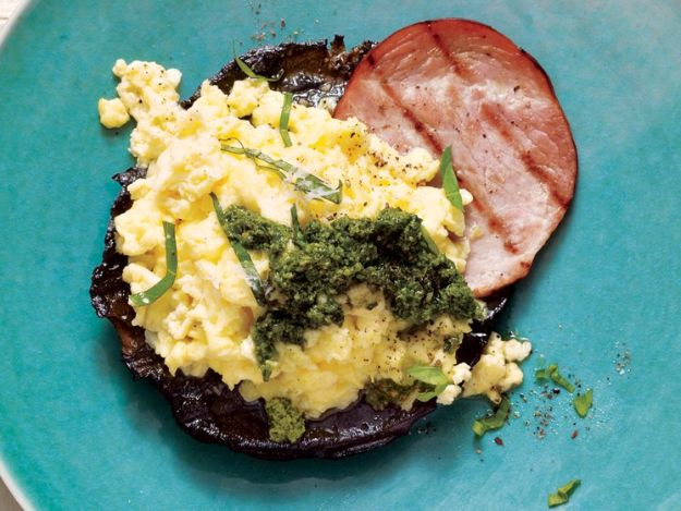 Eggs Benedict Recipes - Grilled Portobello Benedict - Best Benedicts and Recipe Ideas for Breakfast, Brunch and Lunch - Easy and Quick Eggs Benedict, Classic, Salmon, Vegetarian and Healthy Variations - How to Make Hollandaise Sauce - Pioneer Woman Favorites - Eggs Benedict Casserole for A Crowd http://diyjoy.com/eggs-benedict-recipes