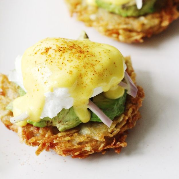 Eggs Benedict Recipes - Hashbrown Avocado Eggs Benedict - Best Benedicts and Recipe Ideas for Breakfast, Brunch and Lunch - Easy and Quick Eggs Benedict, Classic, Salmon, Vegetarian and Healthy Variations - How to Make Hollandaise Sauce - Pioneer Woman Favorites - Eggs Benedict Casserole for A Crowd http://diyjoy.com/eggs-benedict-recipes