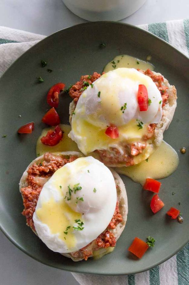 Eggs Benedict Recipes - Italian Eggs Benedict - Best Benedicts and Recipe Ideas for Breakfast, Brunch and Lunch - Easy and Quick Eggs Benedict, Classic, Salmon, Vegetarian and Healthy Variations - How to Make Hollandaise Sauce - Pioneer Woman Favorites - Eggs Benedict Casserole for A Crowd http://diyjoy.com/eggs-benedict-recipes