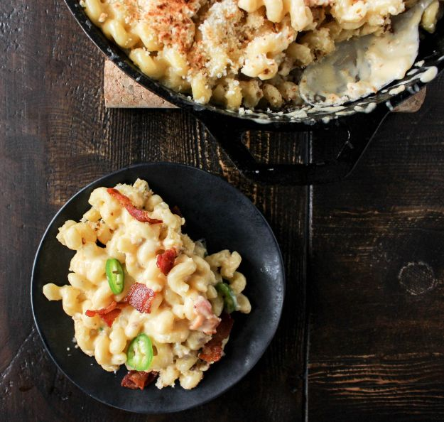 Macaroni and Cheese Recipes - Jalapeno Bacon Mac and Cheddar - Best Mac and Cheese Recipe - Baked, Crockpot, Stovetop and Easy, Quick Variations - Homemade, Creamy Sauce - Pioneer Woman Favorites - Velveets Cheddar and 3 Cheese Bacon, Breadcrumbs
