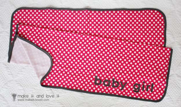 DIY Baby Blankets - Knit Receiving Blanket - Easy No Sew Ideas for Minky Blankets, Quilt Tutorials, Crochet Projects, Blanket Projects for Boy and Girl - How To Make a Blanket By Hand With Fleece, Flannel, Knit and Fabric Scraps - Personalized and Monogrammed Ideas - Cute Cheap Gifts for Babies  #babygifts