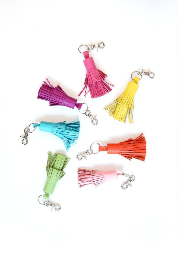 Cheap Last Minute Gifts DIY - Leather Tassel Keychains - Inexpensive DIY Gift Ideas To Make On A Budget - Homemade Christmas and Birthday Presents to Make For Mom, Dad, Daughter & Son, Kids, Friends and Family - Cool and Creative Crafts, Home Decor and Accessories, Fun Gadgets and Phone Stuff - Quick Gifts From Dollar Tree Items http://diyjoy.com/cheap-last-minute-gifts