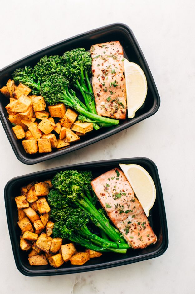 Meal Prep Ideas - Lemon Roasted Salmon Meal Prep - Recipes and Planning Tips for Making a Week of Meals - Easy, Healthy Recipe Ideas to Make Ahead - Weeknight Dinners Lunches - Crockpot Lunches, Slow Cooker Meals, Freeze Ahead http://diyjoy.com/meal-prep-ideas