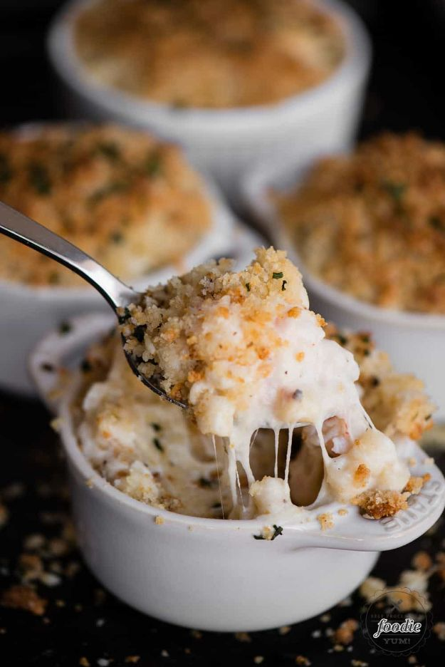 Macaroni and Cheese Recipes - Lobster Mac and Cheese - Best Mac and Cheese Recipe - Baked, Crockpot, Stovetop and Easy, Quick Variations - Homemade, Creamy Sauce - Pioneer Woman Favorites - Velveets Cheddar and 3 Cheese Bacon, Breadcrumbs http://diyjoy.com/mac-and-cheese-recipes