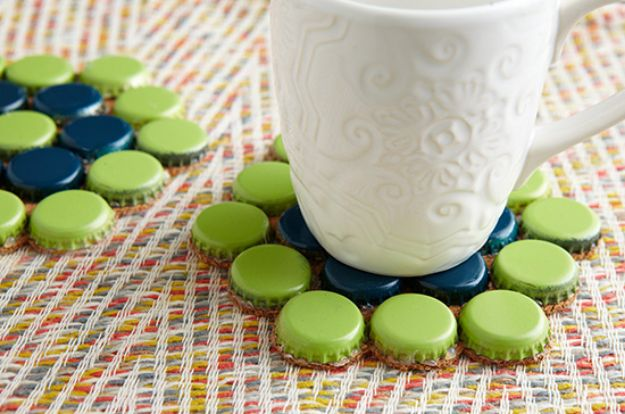 DIY Bottle Cap Crafts - Make Bottle Cap Coasters - Make Jewelry Projects, Creative Craft Ideas, Gift Ideas for Men, Women and Kids, KeyChains and Christmas Ornaments, Presents