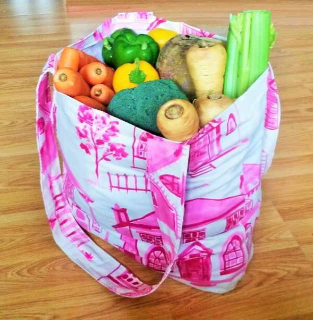 DIY Shopping Bags - Make Your Own Shopping Bag - Easy Drawstring Bag Tutorials - How To Make A Shopping Bag - Use Fabric Scraps, Old Denim Jeans, Upcycled Items - Cute Monogrammed Ideas, Painted Bags and Sewing Tutorials for Beginners s