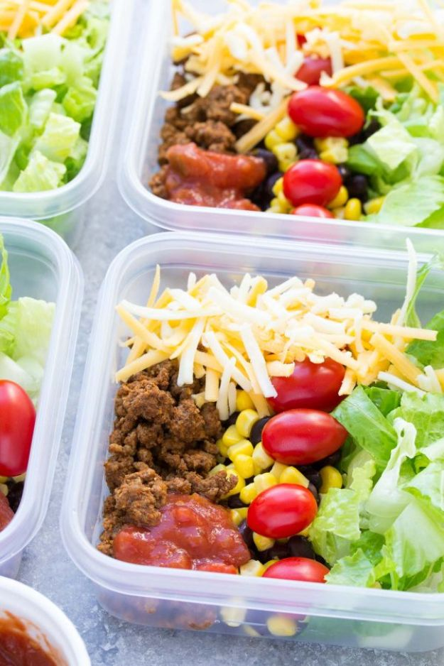Meal Prep Ideas - Meal Prep Taco Salad Lunch Bowls - Recipes and Planning Tips for Making a Week of Meals - Easy, Healthy Recipe Ideas to Make Ahead - Weeknight Dinners Lunches  #mealprep #dinnerideas