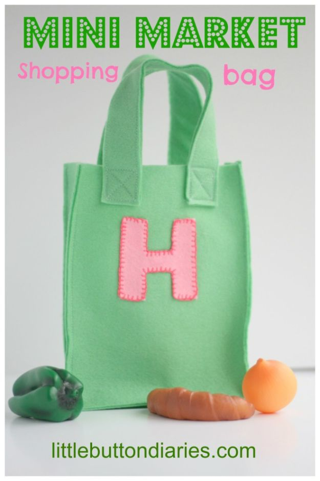 DIY Shopping Bags - Mini Market Shopping Bag - Easy Drawstring Bag Tutorials - How To Make A Shopping Bag - Use Fabric Scraps, Old Denim Jeans, Upcycled Items - Cute Monogrammed Ideas, Painted Bags and Sewing Tutorials for Beginners http://diyjoy.com/diy-drawstring-bags