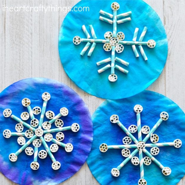Winter Crafts for Toddlers and Kids - Pasta Snowflake - Easy Art Projects and Craft Ideas for 2 Year Olds, Preschool Age Children - Simple Indoor Activities, Things To Make At Home in Wintertime - Snow, Snowflake and Icicle, Snowmen - Classroom Art Projects - Busy Bags and Quick and Easy Gifts - Cheap Kid Crafts From The Dollar Store and Dollar Tree http://diyjoy.com/winter-crafts-for-kids