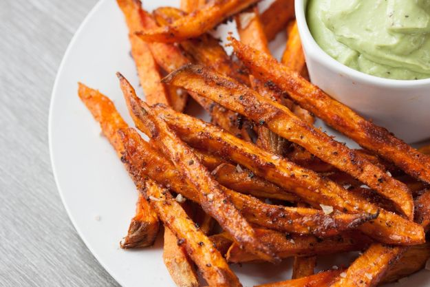 Sweet Potato Recipes - Perfect Crispy Sweet Potato Fries - Easy Recipe Ideas for Sweet Potatoes in the Crockpot, Casserole Dishes, Baked, Mashed, Candied and Roastedd - Healthy Versions of Sweet Potatoes for Thanksgiving - Dinner, Lunch and Side Dishes #recipes