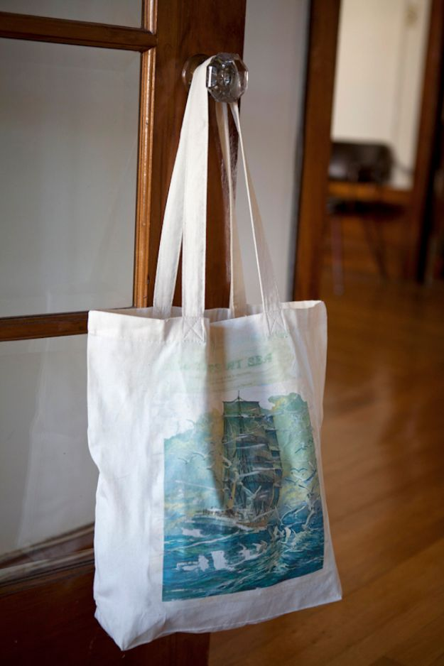 DIY Shopping Bags - Photo Transfer Tote - Drawstring Bag Tutorials - How To Make A Shopping Bag - Use Fabric Scraps, Old Denim Jeans, Upcycled Items - Cute Monogrammed Ideas, Painted Bags and Sewing Tutorials for Beginners http://diyjoy.com/diy-drawstring-bags