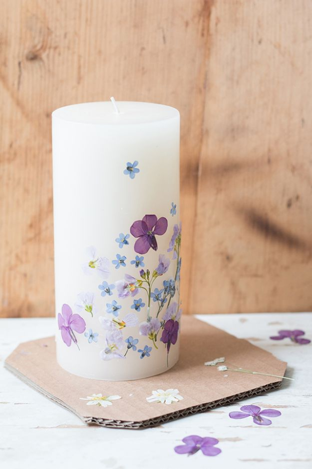 Cheap Last Minute Gifts DIY - Pressed Flower Candle - Inexpensive DIY Gift Ideas To Make On A Budget - Homemade Christmas and Birthday Presents to Make For Mom, Dad, Daughter & Son, Kids, Friends and Family - Cool and Creative Crafts, Home Decor and Accessories, Fun Gadgets and Phone Stuff - Quick Gifts From Dollar Tree Items #diygifts #cheapgifts #christmasgifts