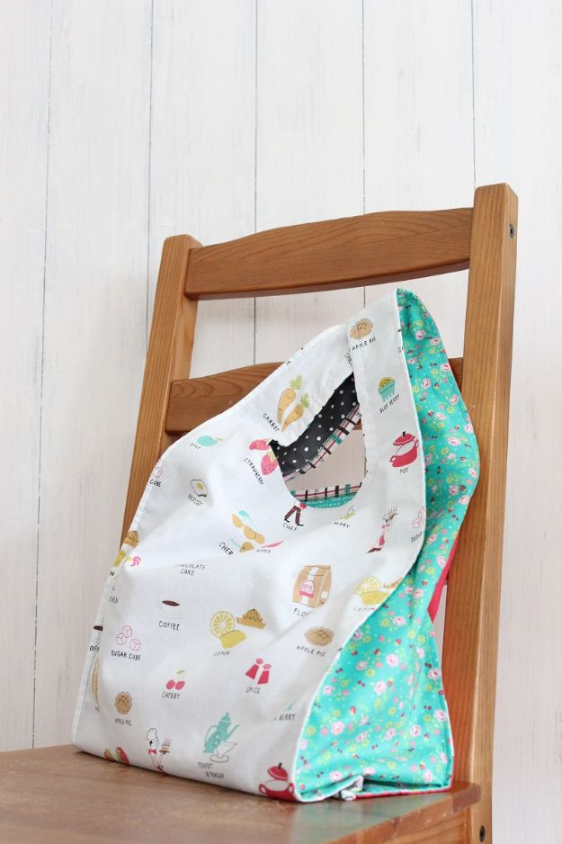 DIY Shopping Bags - Reusable Eco Bag - Drawstring Bag Tutorials - How To Make A Shopping Bag - Use Fabric Scraps, Old Denim Jeans, Upcycled Items - Cute Monogrammed Ideas, Painted Bags and Sewing Tutorials for Beginners s