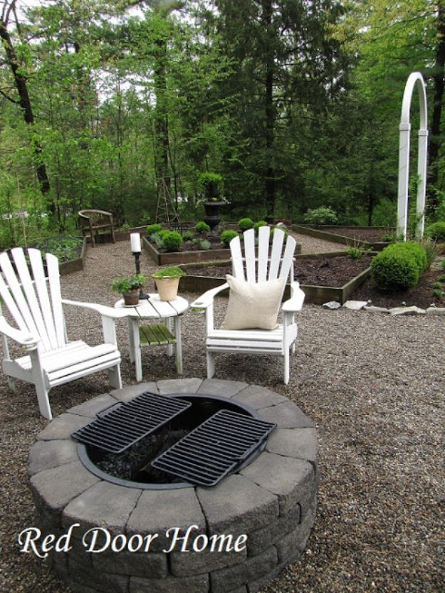 DIY Firepits - Simple Backyard Fire Pit - Step by Step Tutorial for Raised Firepit , In Ground, Portable, Brick, Stone, Metal and Cinder Block Outdoor Fireplace #outdoors #diy
