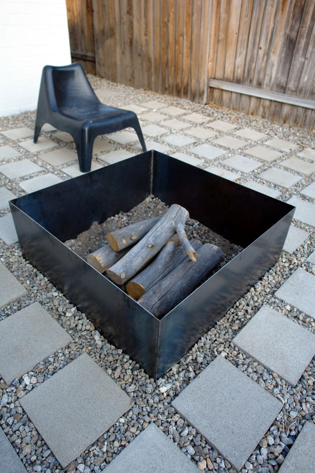 DIY Firepits - Simple Metal Fire Pit - Step by Step Tutorial for Raised Firepit , In Ground, Portable, Brick, Stone, Metal and Cinder Block Outdoor Fireplace #outdoors #diy