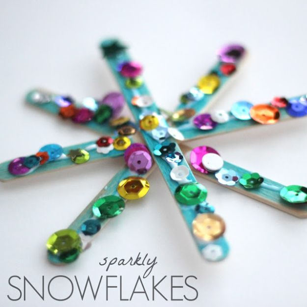 Winter Crafts for Toddlers and Kids - Sparkly Snowflakes - Easy Art Projects and Craft Ideas for 2 Year Olds, Preschool Age Children - Simple Indoor Activities, Things To Make At Home in Wintertime - Snow, Snowflake and Icicle, Snowmen - Classroom Art Projects #kidscrafts #craftsforkids #winters