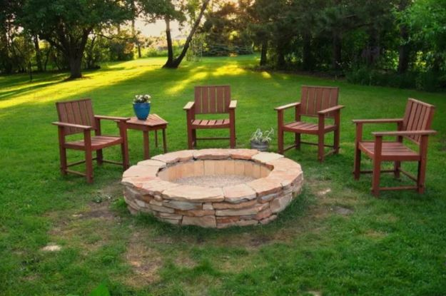 DIY Firepits - Stacked Stone Fire Pit - Step by Step Tutorial for Raised Firepit , In Ground, Portable, Brick, Stone, Metal and Cinder Block Outdoor Fireplace #outdoors #diy