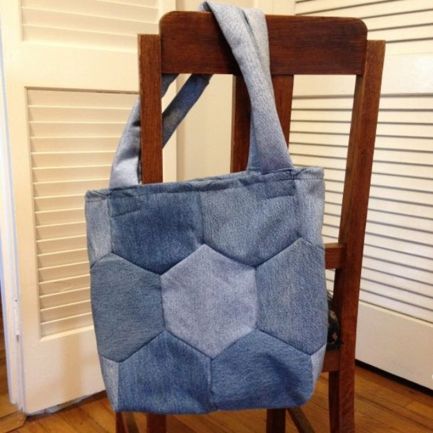DIY Shopping Bags - Upcycled Denim Hexagon Shopping Bag - Easy Drawstring Bag Tutorials - How To Make A Shopping Bag - Use Fabric Scraps, Old Denim Jeans, Upcycled Items - Cute Monogrammed Ideas, Painted Bags and Sewing Tutorials for Beginners http://diyjoy.com/diy-drawstring-bags