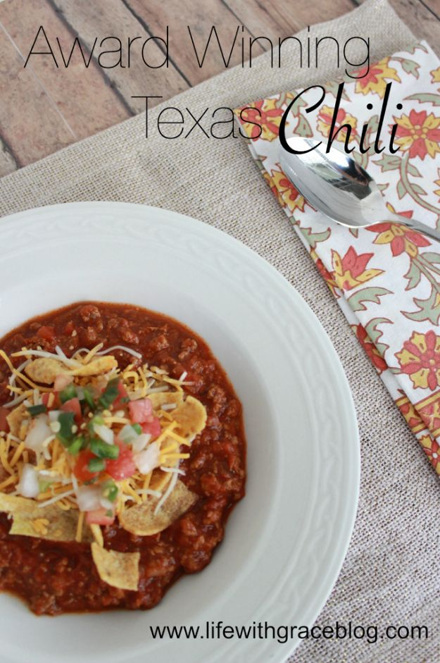Chili Recipes - Award Winning Texas Chili - Easy Crockpot, Instant Pot and Stovetop Chili Ideas - Healthy Weight Watchers, Pioneer Woman - No Beans, Beef, Turkey, Chicken https://diyjoy.com/chili-recipes