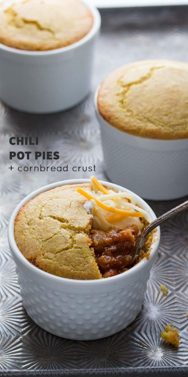 Chili Recipes - Chili Pot Pies with Cornbread Crust - Easy Crockpot, Instant Pot and Stovetop Chili Ideas - Healthy Weight Watchers, Pioneer Woman - No Beans, Beef, Turkey, Chicken  #chili #recipes
