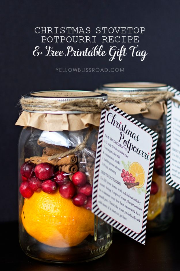 DIY Christmas Gifts - Christmas Potpourri Gift - Easy Handmade Gift Ideas for Xmas Presents - Cheap Projects to Make for Holiday Gift Giving - Mom, Dad, Boyfriend, Girlfriend, Husband, Wife #diygifts #christmasgifts