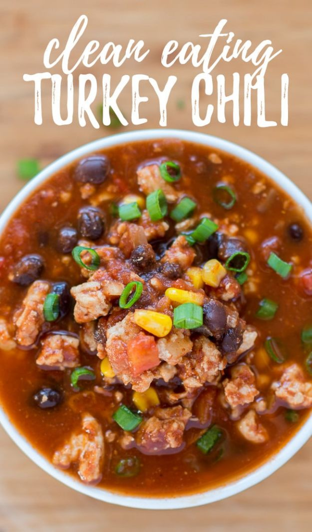 Chili Recipes - Clean Eating Turkey Chili - Easy Crockpot, Instant Pot and Stovetop Chili Ideas - Healthy Weight Watchers, Pioneer Woman - No Beans, Beef, Turkey, Chicken  #chili #recipes