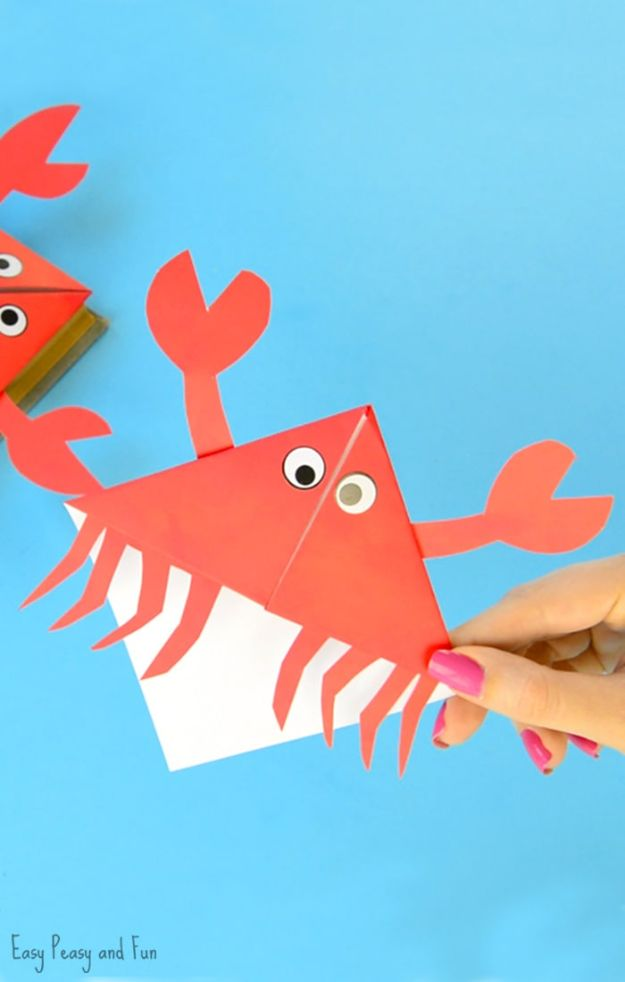 Easy Crafts for Kids -Crab Corner Bookmarks – Ocean Animals Origami for Kids - Quick DIY Ideas for Children - Boys and Girls Love These Cool Craft Projects - Indoor and Outdoor Fun at Home - Cheap Playtime Activities #kidscrafts