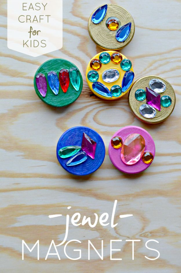 Easy Crafts for Kids - Create Treasure Jewel Magnets - Quick DIY Ideas for Children - Boys and Girls Love These Cool Craft Projects - Indoor and Outdoor Fun at Home - Cheap Playtime Activities #kidscrafts