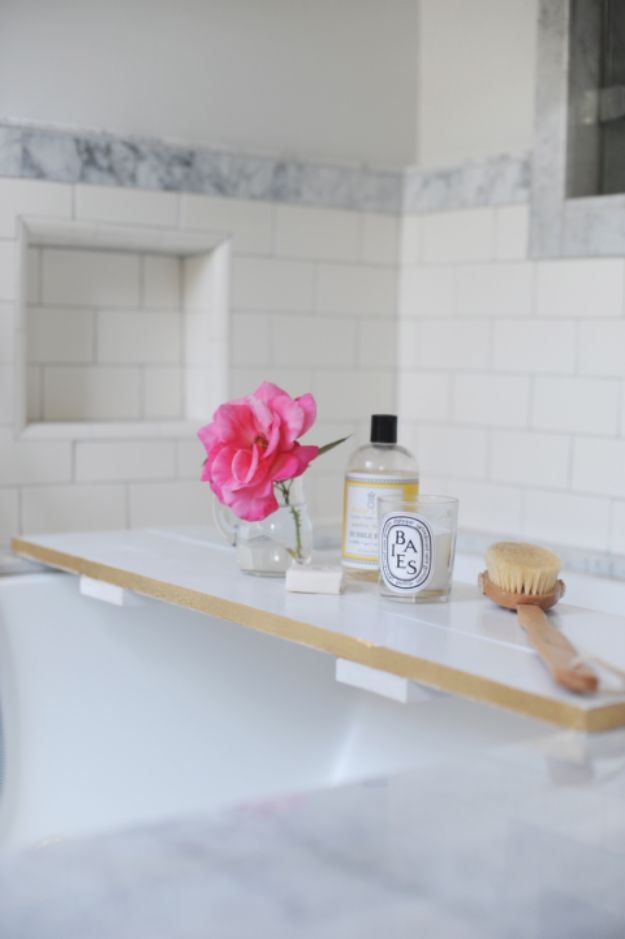 Cheap Bathroom Decor Ideas - DIY Bathtub Tray - DIY Decor and Home Decorating Ideas for Bathrooms - Easy Wall Art, Rugs and Bath Mats, Shower Curtains, Tissue and Toilet Paper Holders https://diyjoy.com/cheap-diy-bathroom-decor