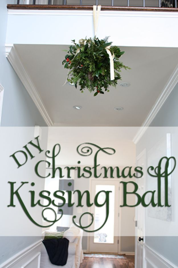 DIY Christmas Decorations - DIY Christmas Kissing Ball - Easy Handmade Christmas Decor Ideas - Cheap Xmas Projects to Make for Holiday Decorating - Home, Porch, Mantle, Tree, Lights #diy #christmas #diydecor #holiday