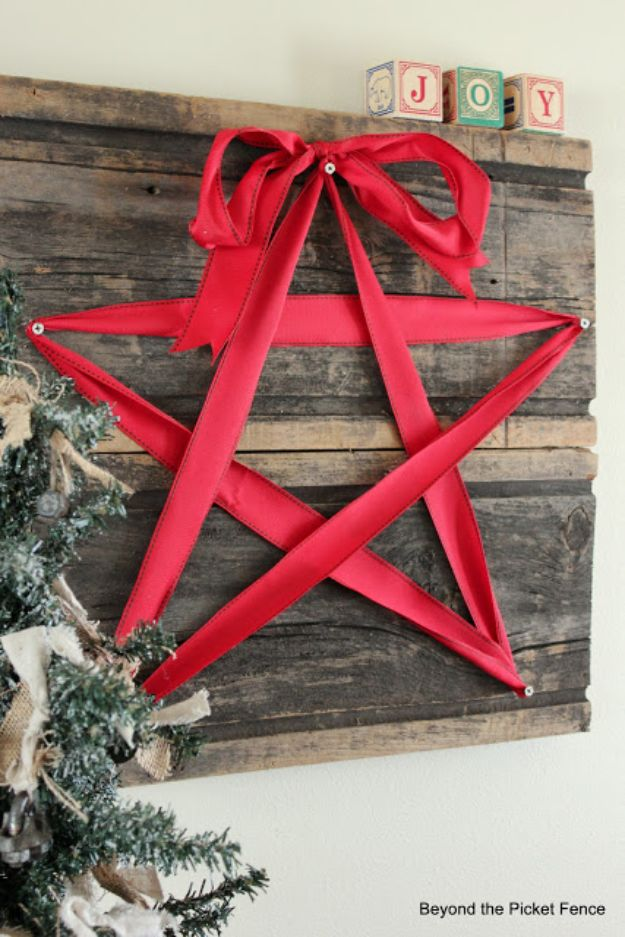 DIY Christmas Decorations - DIY Ribbon Star - Easy Handmade Christmas Decor Ideas - Cheap Xmas Projects to Make for Holiday Decorating - Home, Porch, Mantle, Tree, Lights #diy #christmas #diydecor #holiday