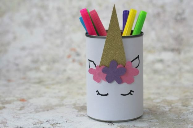 Easy Crafts for Kids - DIY Unicorn Pencil Holder - Quick DIY Ideas for Children - Boys and Girls Love These Cool Craft Projects - Indoor and Outdoor Fun at Home - Cheap Playtime Activities #kidscrafts
