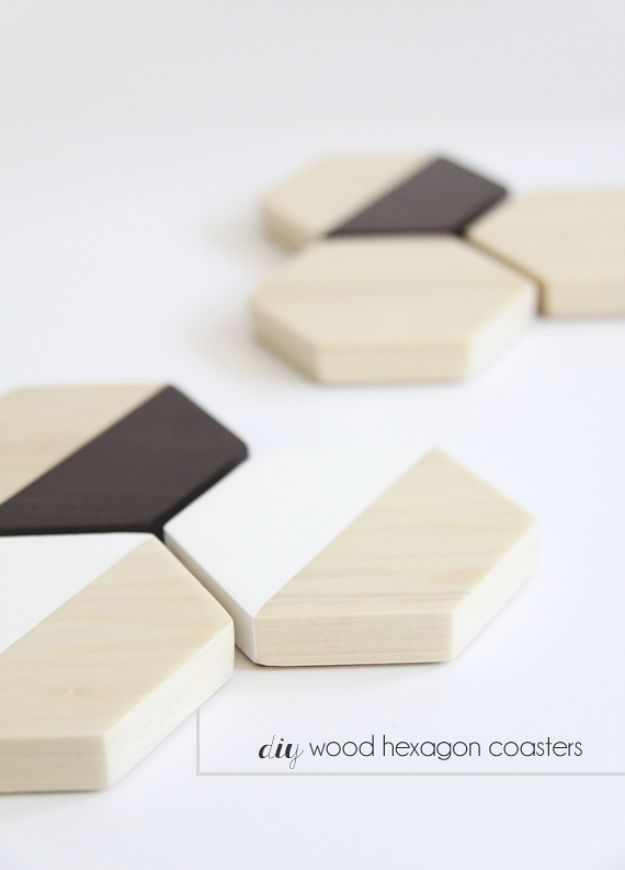 DIY Christmas Gifts - DIY Wood Hexagon Coasters - Easy Handmade Gift Ideas for Xmas Presents - Cheap Projects to Make for Holiday Gift Giving - Mom, Dad, Boyfriend, Girlfriend, Husband, Wife #diygifts #christmasgifts