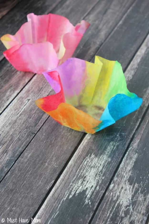 Easy Crafts for Kids - Easy 3 Step DIY Paper Bowls Kids Craft - Quick DIY Ideas for Children - Boys and Girls Love These Cool Craft Projects - Indoor and Outdoor Fun at Home - Cheap Playtime Activities #kidscrafts