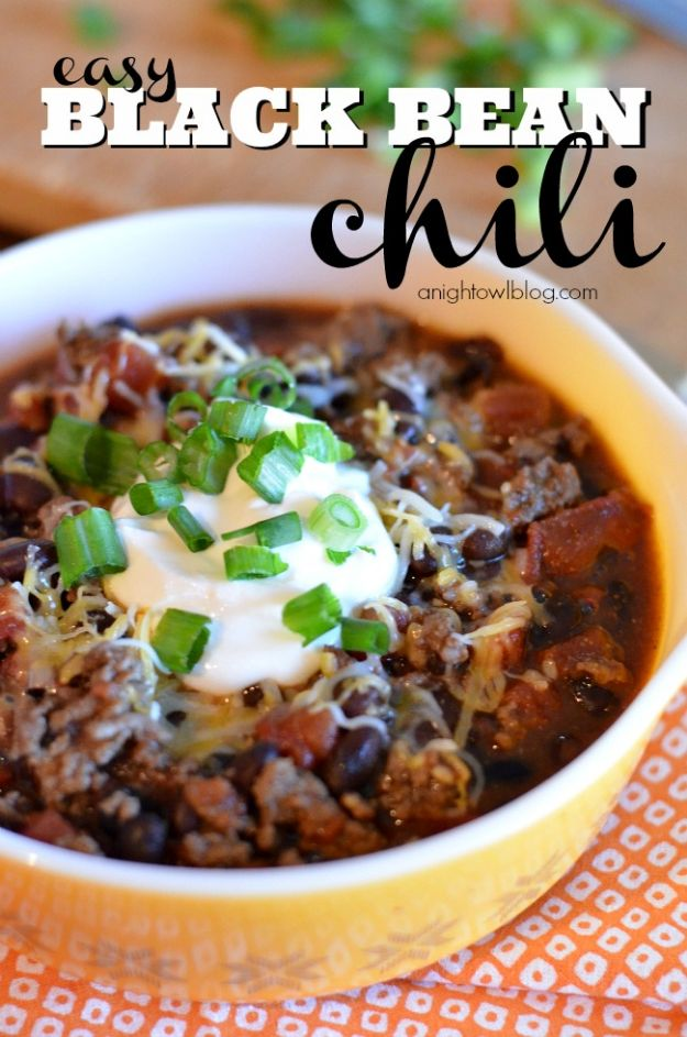 Chili Recipes - Easy Black Bean Chili - Easy Crockpot, Instant Pot and Stovetop Chili Ideas - Healthy Weight Watchers, Pioneer Woman - No Beans, Beef, Turkey, Chicken  #chili #recipes