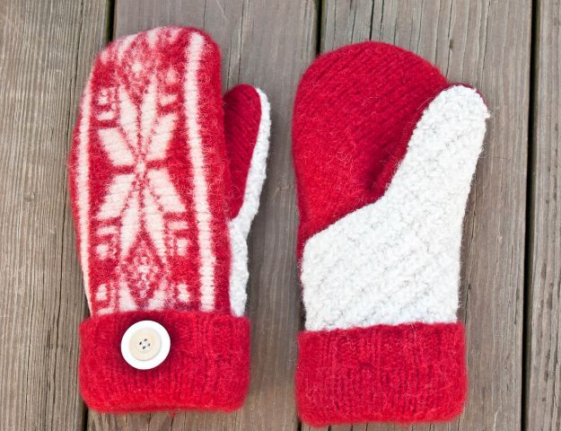 DIY Christmas Gifts - Felted Sweater Mittens - Easy Handmade Gift Ideas for Xmas Presents - Cheap Projects to Make for Holiday Gift Giving - Mom, Dad, Boyfriend, Girlfriend, Husband, Wife #diygifts #christmasgifts