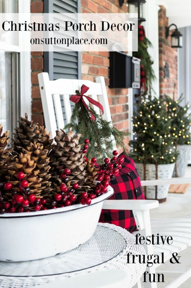 DIY Christmas Decorations - Festive & Frugal Christmas Porch Decor - Easy Handmade Christmas Decor Ideas - Cheap Xmas Projects to Make for Holiday Decorating - Home, Porch, Mantle, Tree, Lights #diy #christmas #diydecor #holiday